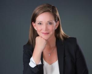 Nicole Carroll, Visa