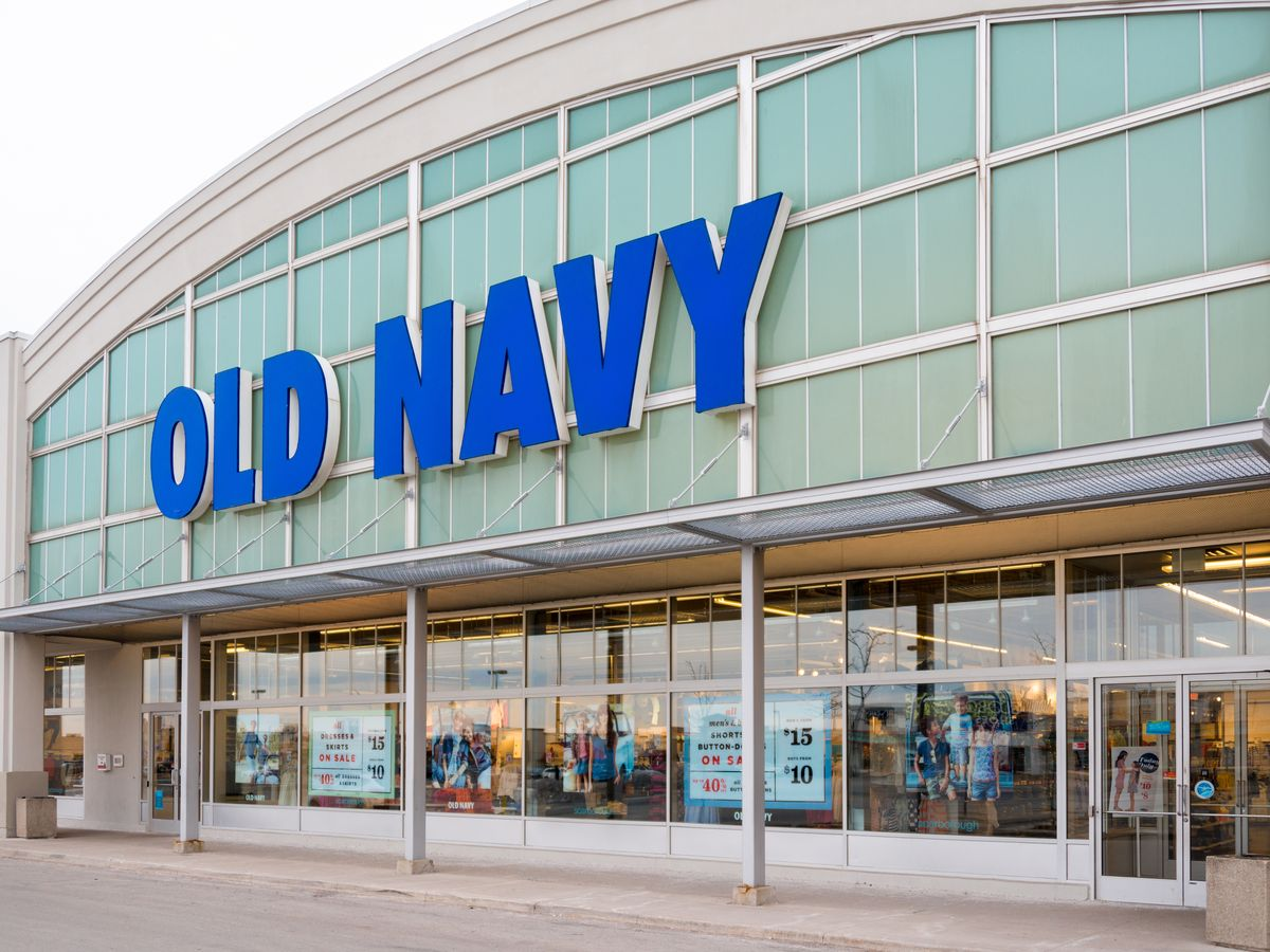 Store Hours. Check local store hours. Store Locator. Cardmember perks. Extra 20% off your first purchase when you open and use your Old Navy Card today. Apply Now. Gift guide. Perfect presents for everyone on your list (including you!). Shop Gift Guide. Gift cards. Old Navy Active.