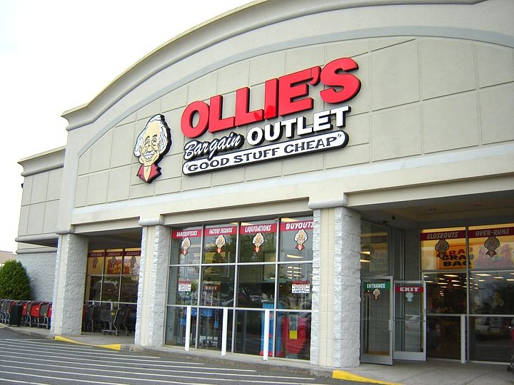 Ollie S Bargain Outlet Goes Public Total Retail