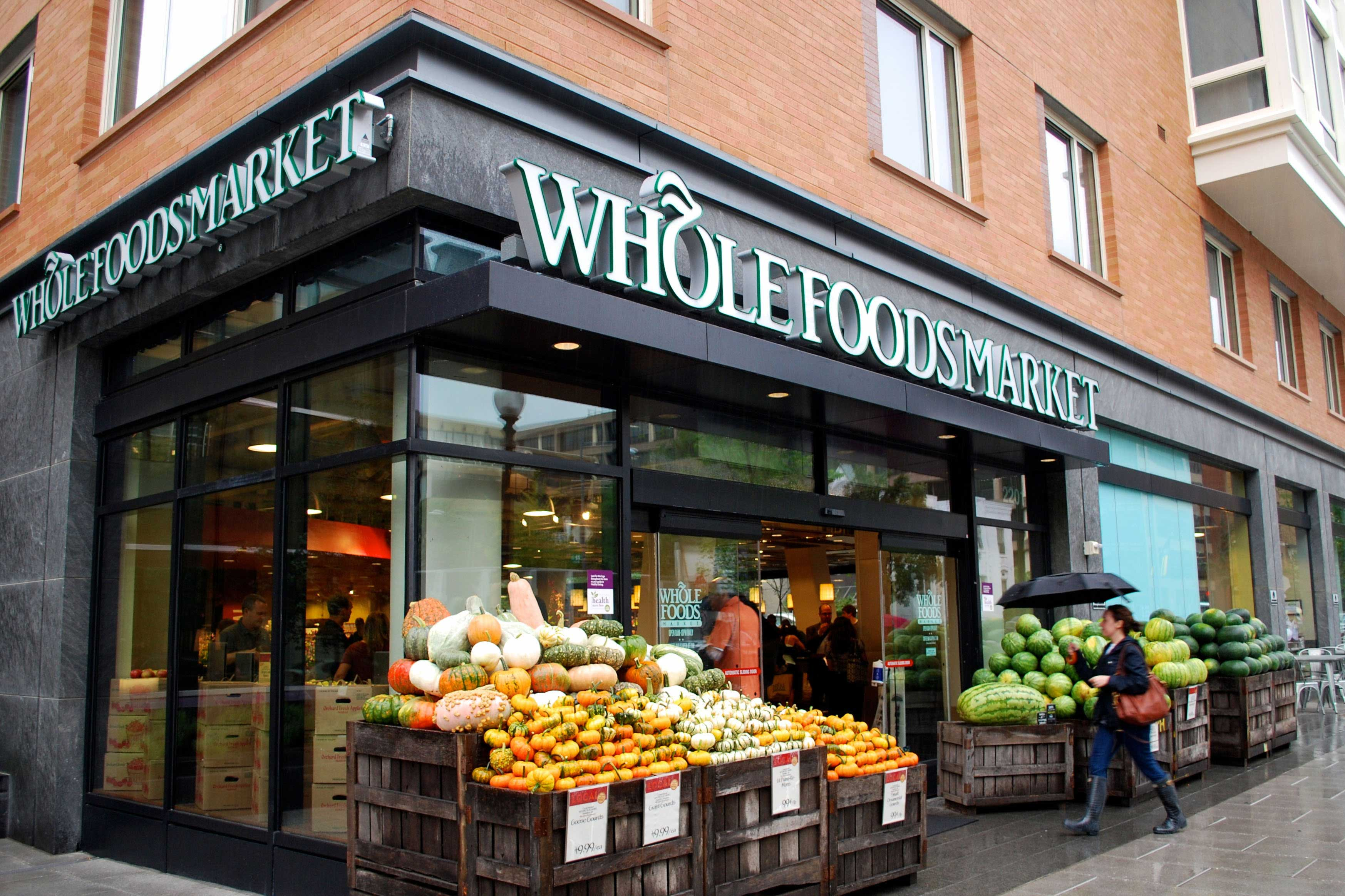 Amazon buys whole foods for 13 7 billion total retail for Cuisine store
