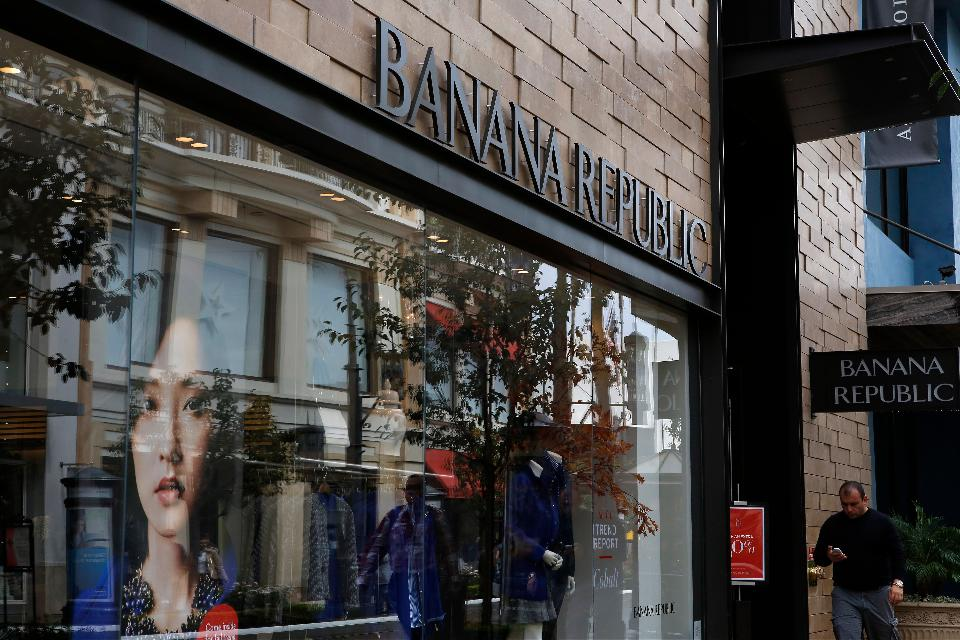 Banana Republic - Modern Apparel, Handbags, Shoes, and Accessories A perfectly tailored work suit, refined dress shirts, a premium handbag, the latest shoe unatleimag.tk is the destination for men's, women's and petites' apparel and accessories for any occasion.