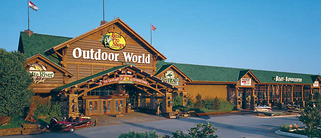 11/10/18 – 12/24/ Visit Santa's Wonderland at Bass Pro Shops, enjoy a Free Photo with Santa, crafts, activities & games! Fun for the whole family!