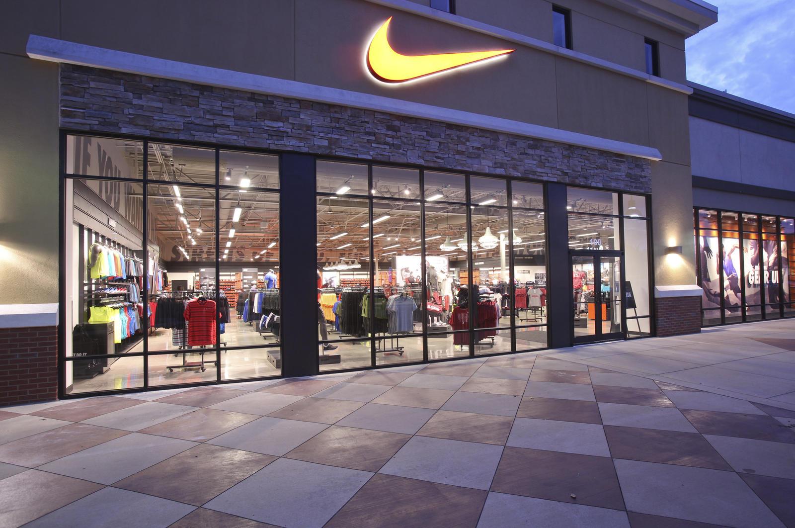 Nike to Cut 1,400 Jobs